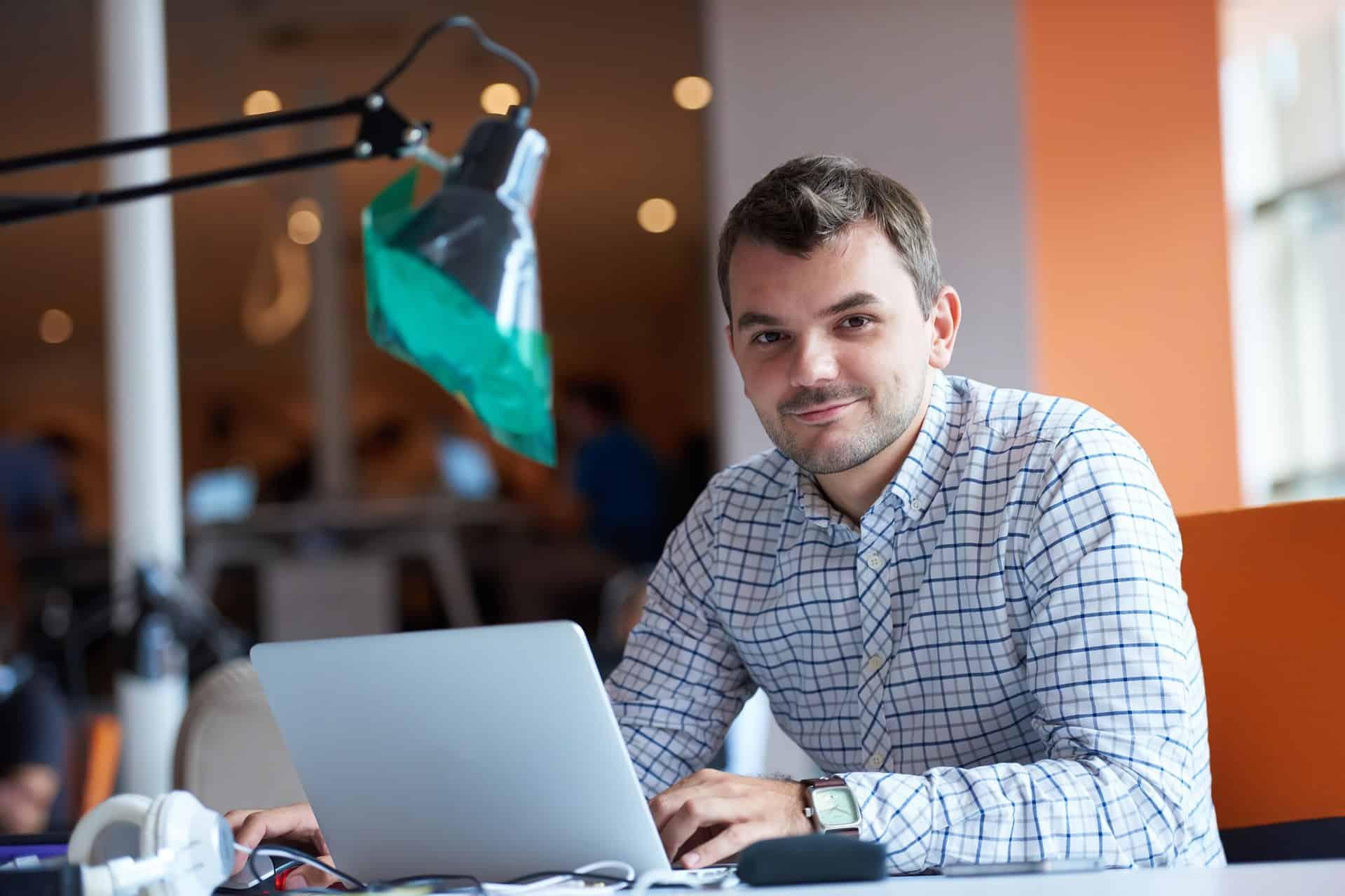 Kevytyrittäjä – toteuta verkkokurssi unelmasi