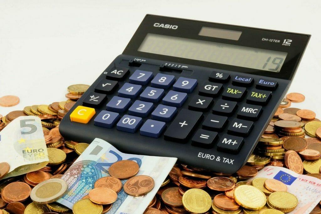 Mitä verkkokurssialusta maksaa?